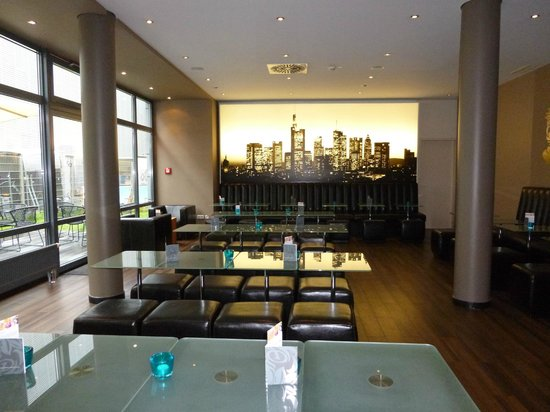 Hotel Motel One Frankfurt-East Side: Breakfast area
