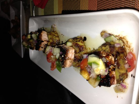 El Patio Latin Bar Cafe at Embassy Suites: Balsamic Salmon