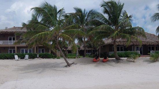 Sapphire Beach Resort: beach view 2