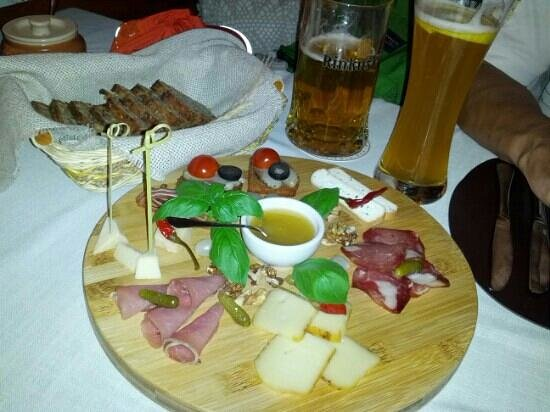 Senoji Trobele: traditional Lithuanian snacks, great starter  to go with beer