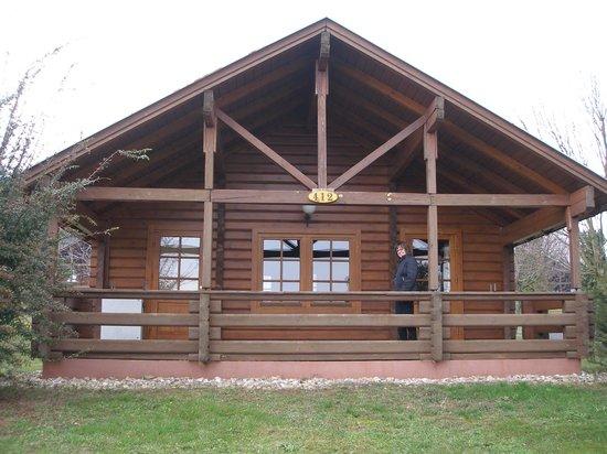 Petnehazy Club Hotel : Our 1 bedroom cabin.