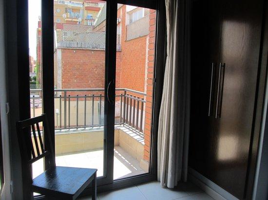 Hostal Badaloni: Балкон