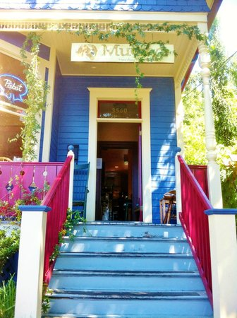 Muddy's Coffeehouse: Muddy's entrance!