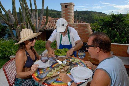 Cliffside Luxury Inn: lunch on the terrace