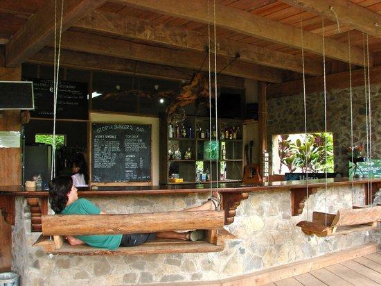Utopia Eco Hotel: bar