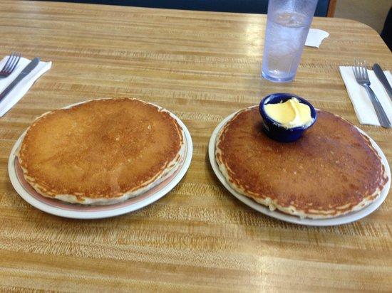 Tasty Crust Restaurant: A 5 Star Pancake Dining Experience!