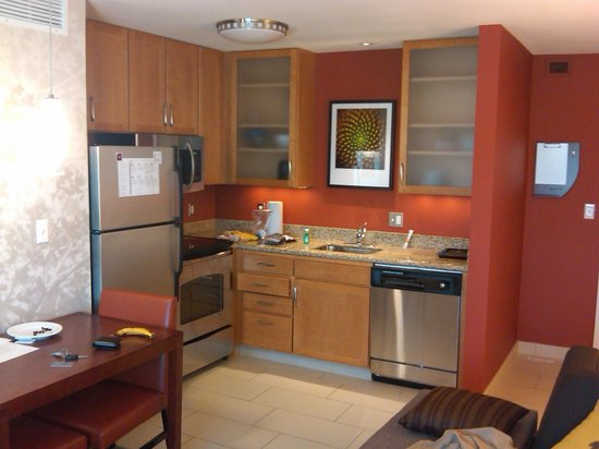 Residence Inn Springfield South : Inside One Bedroom Unit