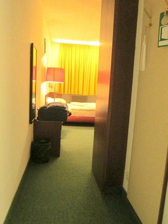 Benediktushaus Guest House: Room