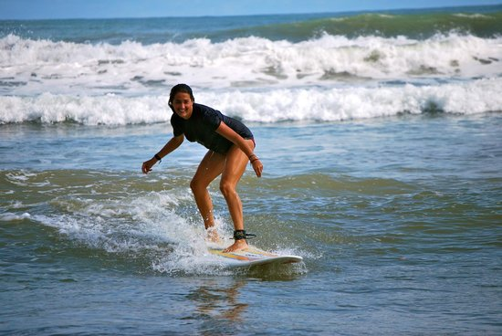 Costa Rica Surf Camp: Surfing at Dominical