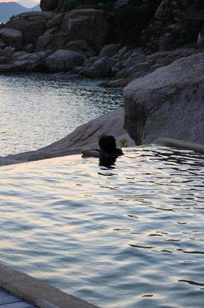 Six Senses Ninh Van Bay: in the private pool at Rock Villa 2