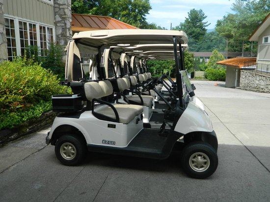 The Waynesville Inn, Golf Resort & Spa: Carts ready and waiting
