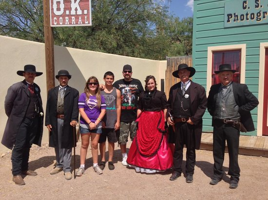 O.K. Corral : With the Earps, Doc Holliday and Big Nose Kate