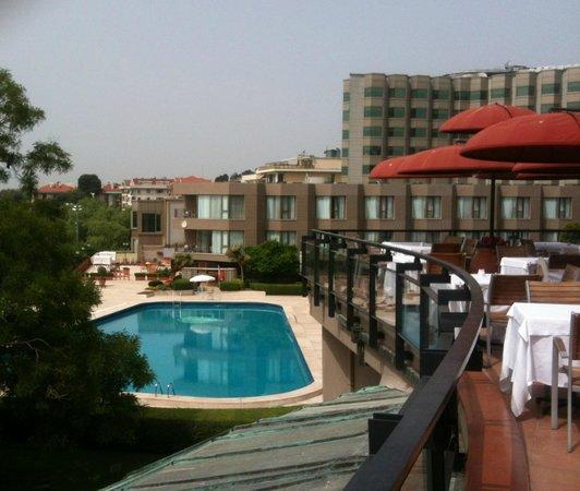 Cinar Hotel: Veduta dalla terrazza della colazione