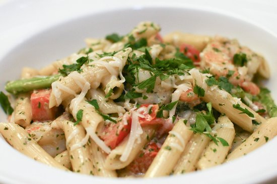 10/09 Kitchen : Shrimp pasta with pesto cream sauce
