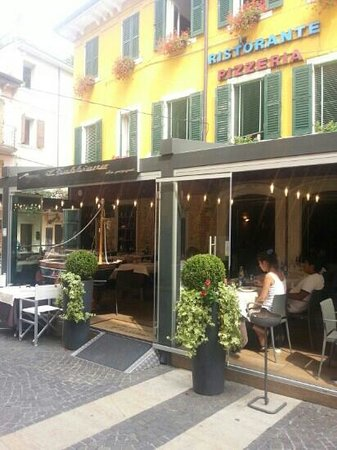 Pizzeria Gabbiano : View from outside