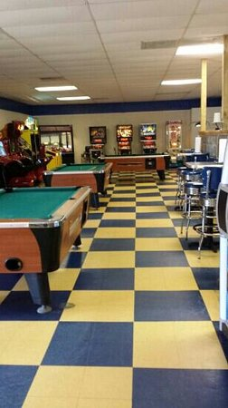 Angelo's Pizza: 1/2 of the arcade