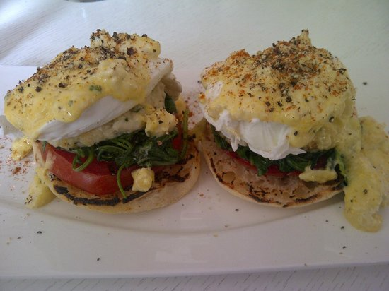 Sense Beach House: our delicious eggs benedict for breakfast