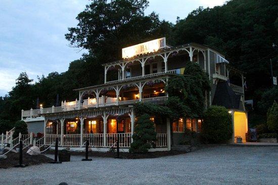 Snug Harbor Restaurant Hammondsport Ny