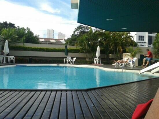 Hotel Deville Prime Cuiabá: piscina