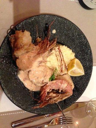 Le V.I.P : prawn and monkfish skewers....phenomenal!