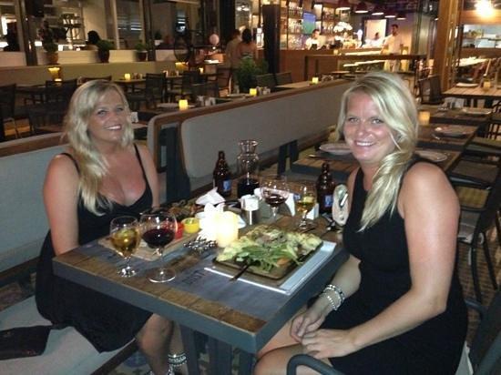 Dost Restaurant: Best restaurant in Marmaris! two lovely Norwegian girls x