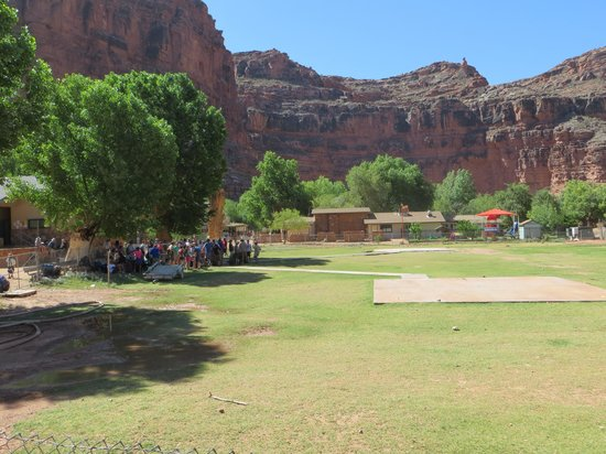 Havasupai Lodge: People waiting to get out on the Helicopter. All were gone by 2pm.