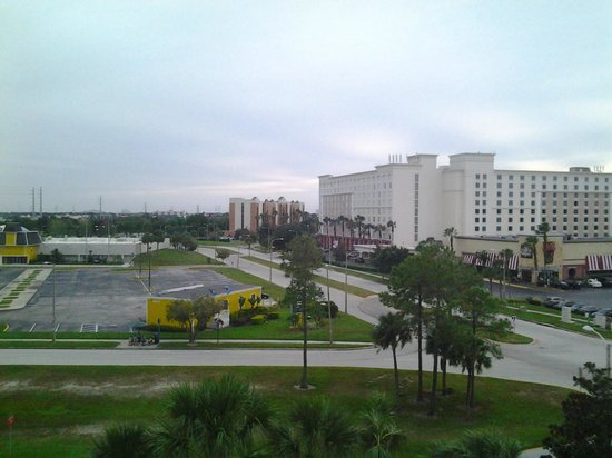 Doubletree By Hilton at the Entrance to Universal Orlando: vista do quarto