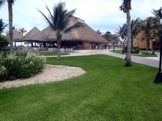 Grand Bahia Principe Tulum: bar 24hs de playa