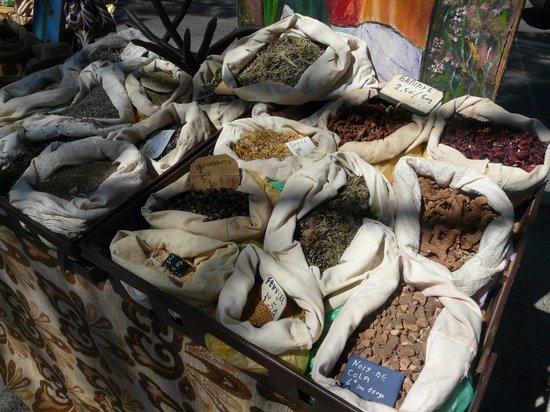 Office de Tourisme Pays d'Uzès : Herbs