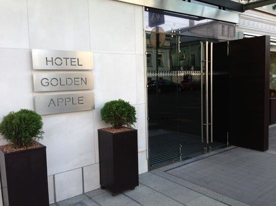 Golden Apple Boutique Hotel: entrance