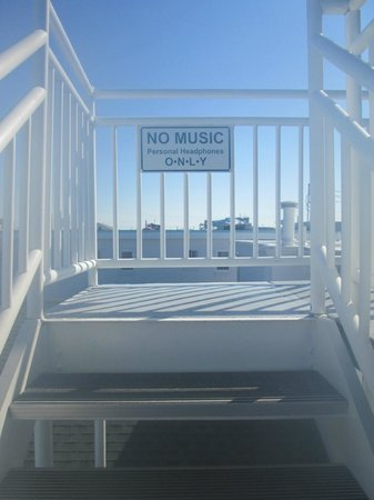 Riviera Resort & Suites: a friendly reminder not to play music