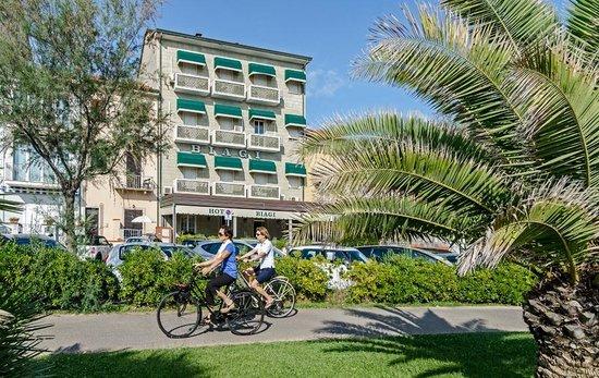 Hotel Biagi: Vista dalla Passeggiata di Lido di Camaiore