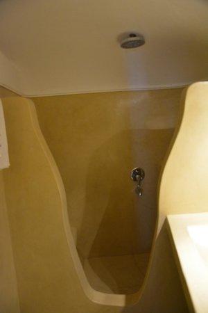 Delfini: bathroom in the cave suite
