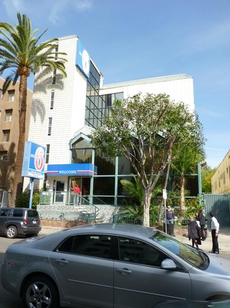 Motel 6 Los Angeles - Hollywood: FACHADA