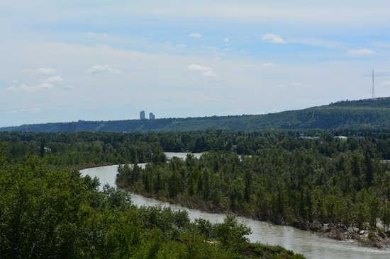 Bow River : Looking east from the Bowmount Lookout, Silver Springs