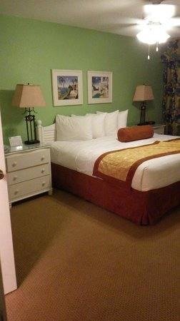 Orbit One Vacation Villas: Master bedroom