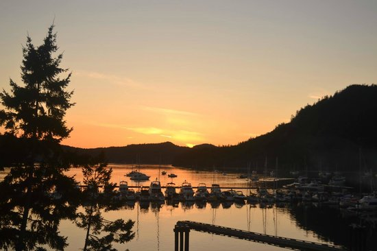 Poets Cove Resort & Spa: And here is the spectacular sunset view