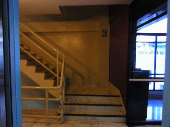 City Lodge Soi 9: 階段