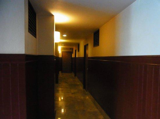 City Lodge Soi 9: 廊下