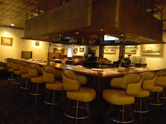 Copper Kettle Restaurant: Lounge