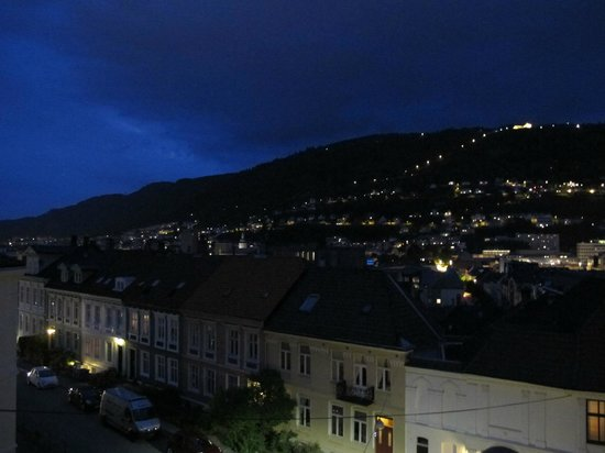 ‪‪Hotel Park Bergen‬: Night view from room on the top floor‬