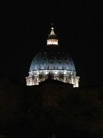 Vatican Vista: Night picture ofSt. Peter's Cathedral from the bedroom window.