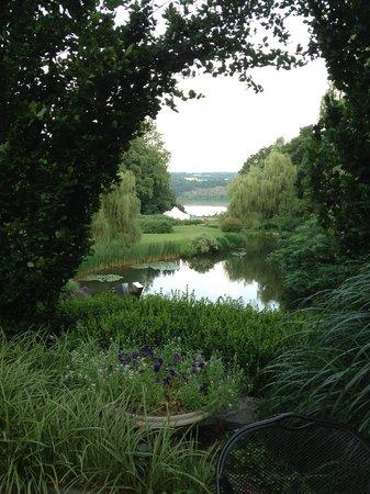 Buttermilk Falls Inn & Spa: The Grounds