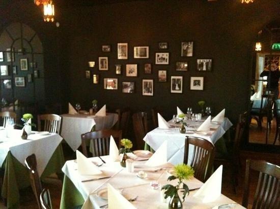 Massimos: dining room