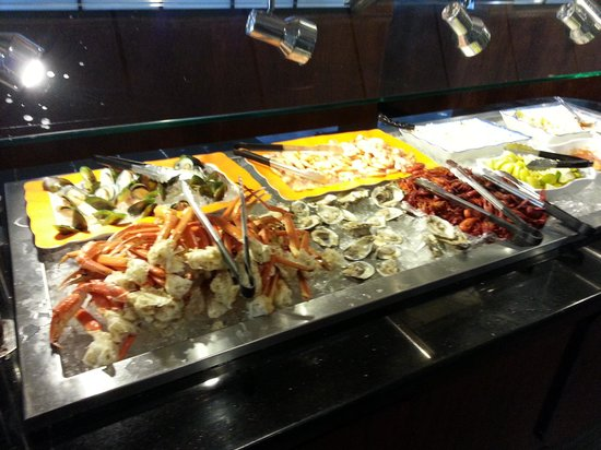 Jing Du Japanese Buffet: THe Snow Crab Legs & Oysters