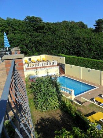 Miramar Hotel : garden and pool