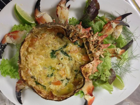 Eithna's by the Sea: Delicious spider crab dinner!