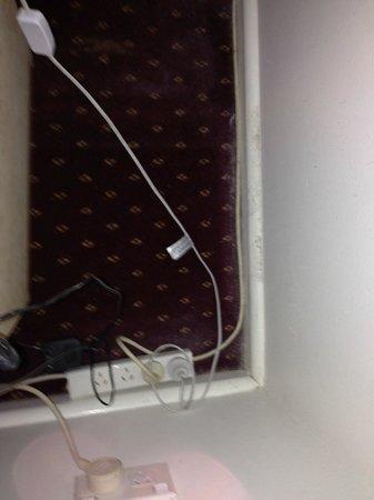 North Shore Hotel : plugs in main room