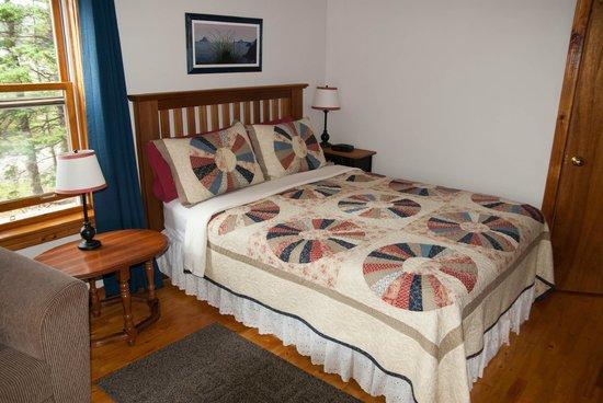Wildflowers Country Inn: bedroom