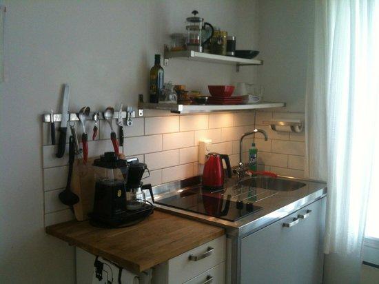 Skuteviken Guesthouse: Kitchen area